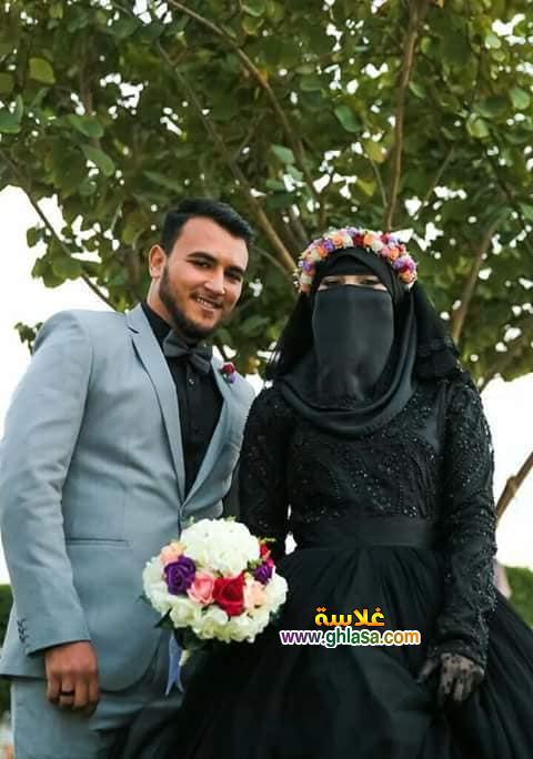 2 - اول عروسة مصرية ترتدي فستان زفاف اسود 2018
