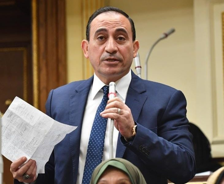النائب محمد عبد الله زين الدين يطلب فصل املاك الدولة عن املاك الاهالي في ادكو